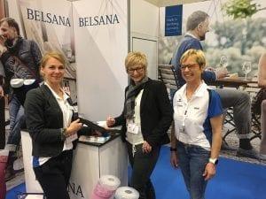 Angela Hemme auf der Interpharm am Standt von Belsana